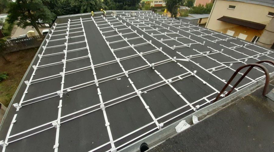 Konstrukcja balastowa na dachu płaskim
